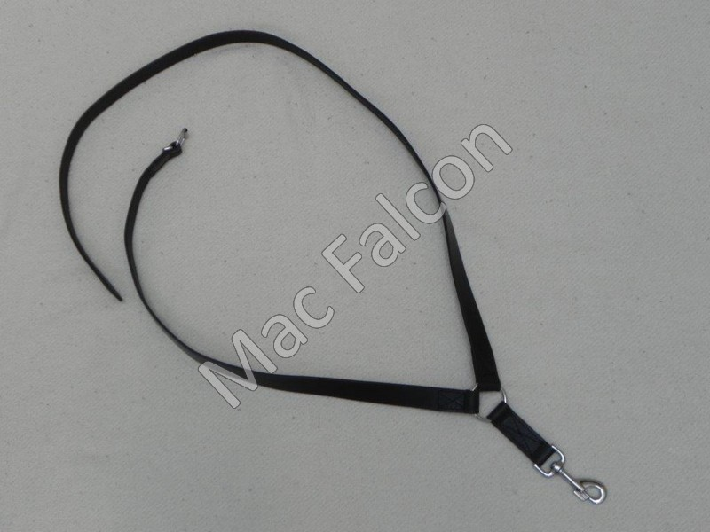Adjustable black leather shoulder strap for falconers hunting bags